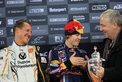 Podium: les vainqueurs de la Nations Cup, Michael Schumacher et Sebastian Vettel (Team Germany)