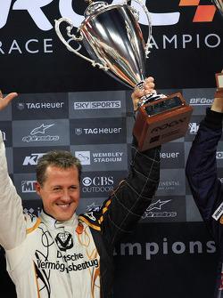 Podio: Michael Schumacher, ganador de la Copa de Naciones