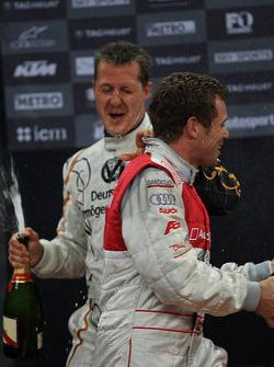 Podio: Michael Schumacher y Tom Kristensen