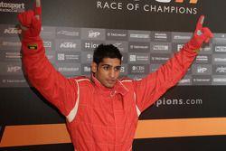 Le vainqueur de la celebrity race, Amir Kahn