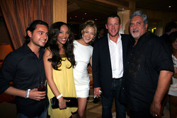 Actress Kate Hudson with Lance Armstrong and Dr Vijay Mallya Force India F1 Team Owner at the Kingfisher boat party on the Indian Empress