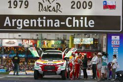 Le #310 Mitsubishi Racing Lancer: Hiroshi Masuoka et Pascal Maimon