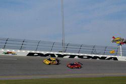 #07 Banner Racing Pontiac GXP.R: Kelly Collins, Paul Edwards, Jan Magnussen, #85 Farnbacher Loles Ra