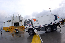 X-raid team enters the boat at Le Havre for the crossing to Buenos Aires