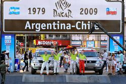 #358 Mitsubishi Pajero V60: Tino Schmidt et Philipp Tiefenbach, #365 Mitsubishi Pajero: Stephan Schott et Holm Schmidt