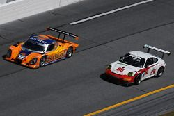 #10 SunTrust Racing Ford Dallara: Max Angelelli, Brian Frisselle, Pedro Lamy, Wayne Taylor, #88 Farn