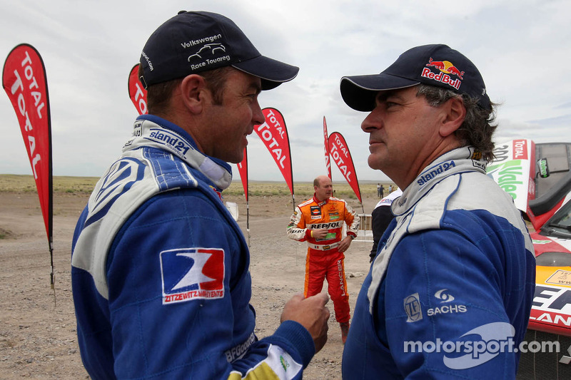 Giniel de Villiers y Carlos Sainz