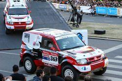 #366 Mitsubishi Pajero: Francisco Inocencio et Paulo Fiuza, #367 Mitsubishi Pajero: Nuno Pedro Inoce