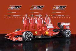 Marc Gene, Felipe Massa, Kimi Raikkonen ve Luca Badoer ve yeni Ferrari F60