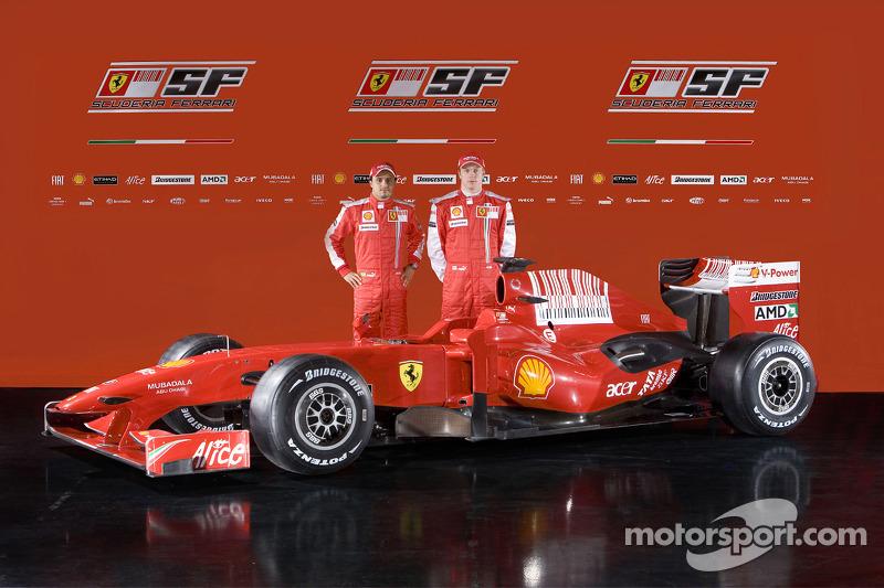Felipe Massa and Kimi Raikkonen conn el nuevo Ferrari F60