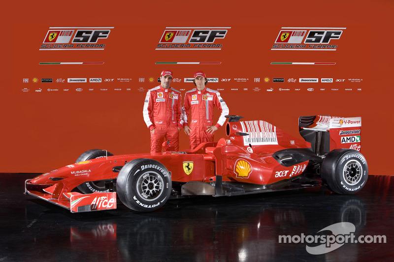 Marc Gene ve Luca Badoer ve yeni Ferrari F60