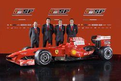 Head, motor department Gilles Simon, Şef Tasarımcısı Nicholas Tombazis, team Direktör Stefano Domeni