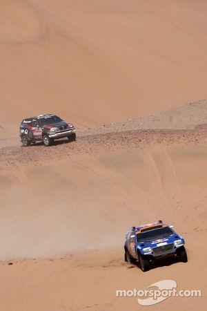 #307 Volkswagen Touareg: Dieter Depping et Timo Gottschalk, #347 BMW X5 CC: Ricardo Leal Dos Santos et Pedro Pires Lima