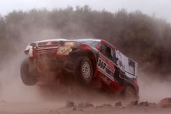 #367 Mitsubishi Pajero: Nuno Pedro Inocencio et Jaime Santos