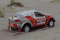 #368 Mitsubishi Pajero: Mana Pornsiricherd et Thierry Lacambre