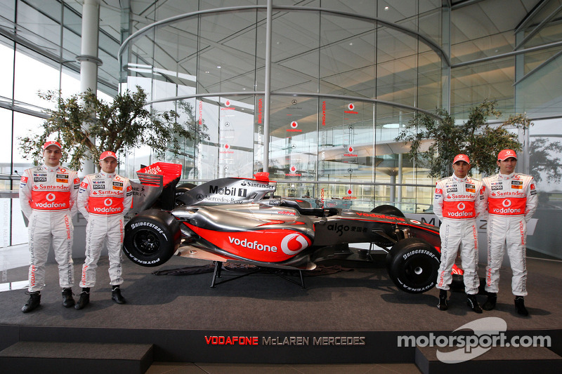 Gary Paffett, Heikki Kovalainen, Lewis Hamilton and Pedro de la Rosa with the new McLaren Mercedes MP4-24