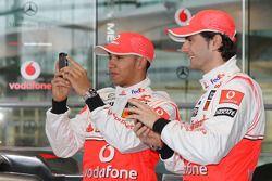 Lewis Hamilton ve Pedro de la Rosa