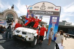 Podium catégorie voiture : Mana Pornsiricherd et Thierry Lacambre