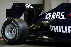 yeni Williams FW 31 arka kanat detay