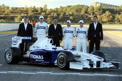 Walter Riedl, Robert Kubica, Dr. Mario Theissen, Nick Heidfeld, Christian Klien ve Markus Duismann ve yeni BMW Sauber F3.09