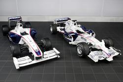 BMW Sauber F3.09 (on left), BMW Sauber F3.08 (on right)