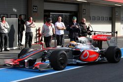 Льюис Хэмилтон, McLaren Mercedes, MP4-24 на тестах Формулы 1