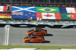 #74 Compass360 Racing Honda Civic SI: Christian Miller, Randy Pobst et #76 Compass360 Racing Honda Civic SI: Matt Pritiko, Travis Walker