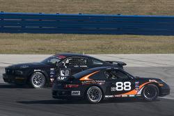#88 Ranger Sports Racing Porsche 997: Barry Ellis, Fraser Wellon and #68 CA Sport Ford Mustang GT: Vesko Kozarov, Keith Rossberg crash