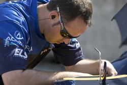 De Ferran Motorsports team member