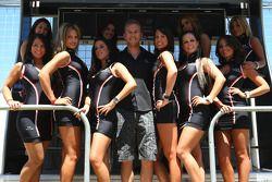 Chris Van Der Drift with lovely girls