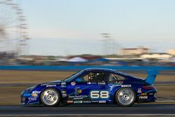 #68 TRG Porsche GT3: Josemanuel Gutierrez, Steve Miller, Chris Pallis