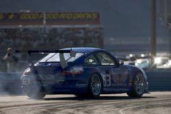 #63 TRG Porsche GT3: Kurt Kossmann, Bruce Ledoux, David Quinlan, Dan Watkins, Steve Zadig sort de route