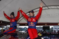 Sébastien Loeb et Daniel Elena célèbrent la victoire