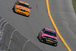 #91 BMW M3 Coupé Racing automatique: David Russell, Joe Varde, #59 Rehagen Racing Ford Mustang GT: D