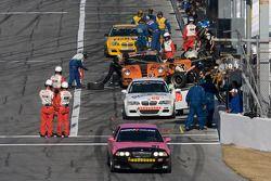 #91 Racing BMW M3 Coupé automatique: David Russell, Joe Varde est en tête