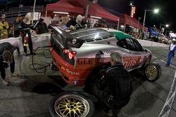 Pit stop pour #56 Mastercar-Coast 2 Costa Racing Ferrari 430 Challenge: Cesar Campanico, Luca Drudi