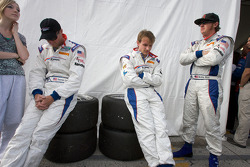Darren Law, Buddy Rice and Antonio Garcia impatiently wait for the end of the race