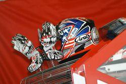 Le casque et les gants de Hayden