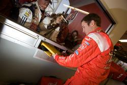 Kasey Kahne, Richard Petty Motorsports Dodge signs autographs