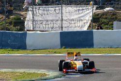 Fernando Alonso, Renault F1 Team, R29, devant ses fans