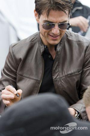 Tom Cruise est annoncé pour être le conducteur de la voiture d'honneur pour le Daytona 500
