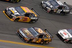 David Ragan, Roush Fenway Racing Ford, Jeff Burton, Richard Childress Racing Chevrolet