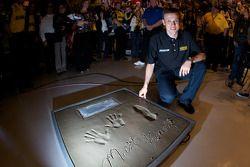 Champion's breakfast: Matt Kenseth, Roush Fenway Racing Ford, poses with his Daytona 500 champion cement plate