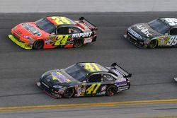 Jeremy Mayfield, Mayfield Motorsports Toyota, Jeff Gordon, Hendrick Motorsports Chevrolet, et Carl E