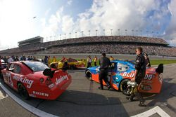 Cope/Keller Racing Dodge of Derrike Cope pushed to starting grid