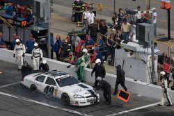 Kertus Davis in the pits