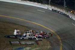 L'équipe de secours au travail après l'accident de James Buescher, Ricky Carmichael et Shane Sieg