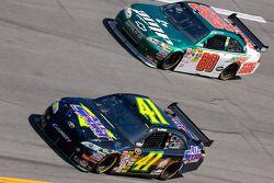Jeremy Mayfield, Mayfield Motorsports Toyota, Dale Earnhardt Jr., Hendrick Motorsports Chevrolet