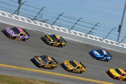 Jamie McMurray, Roush Fenway Racing Ford, Kurt Busch, Penske Racing Dodge