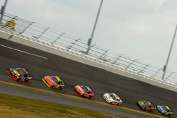 Martin Truex Jr., Earnhardt Ganassi Racing Chevrolet leads the field